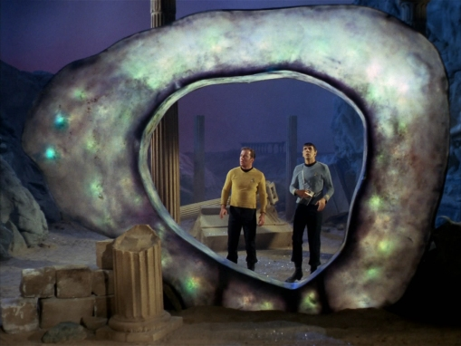 city_on_the_edge_of_forever-kirk&spock